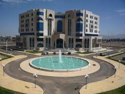 وزارة الاعلام اليمنية تعرب عن اسفها لمحاولة بعثت الامم المتحدة نقل صحفيين الى صنعاء دون اخذ تصريح منها