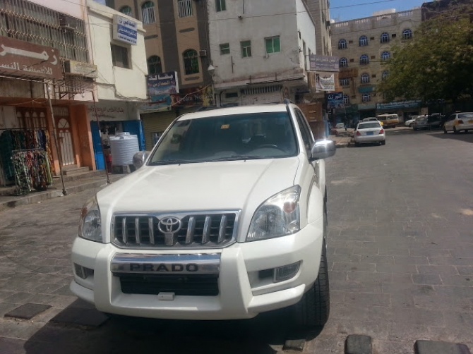 مجلس الوزراء يقر منع السيارات الغير مرقمة من التجول في شوارع عدن والمناطق المحررة
