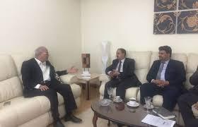 وزير الاعلام يبحث مع نايلسات جهود ايقاف قنوات غير موالية للشرعية
