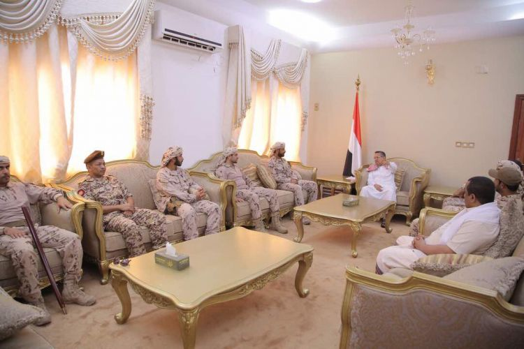 رئيس الوزراء يستقبل قيادة التحالف العربي بقصر المعاشيق بعدن