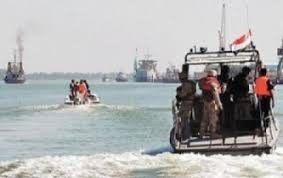 المليشيات الانقلابية تعلن استهداف سفينة حربية اماراتية قبالة سواحل مدينة المخاء