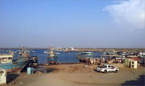 مليشيا الحوثي تهدد بتحويل البحر الى مسرح حرب