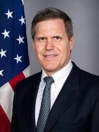 السفير الامريكي في اليمن: سنعطي المجال للأصوات المعتدلة