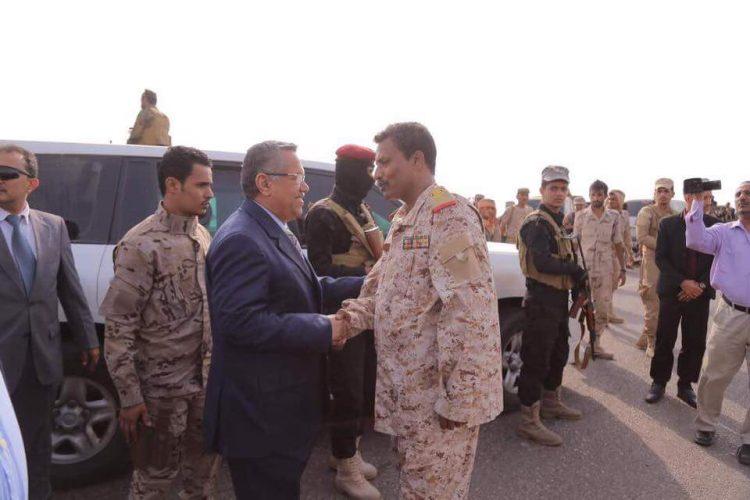 """بن دغر يوجه رسالة شديدة اللهجة لــ""""الحوثيين"""".. إما السلام أو الحرب؟"""