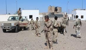 """سابقة خطيرة.. ضابط اماراتي يقوم بفصل """"180"""" جنديا يمنيا.. تفاصيل"""