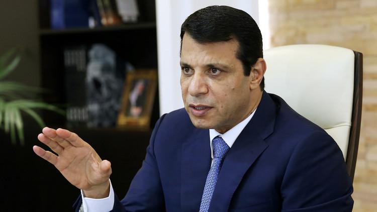 تقرير اسرائيلي يأمل بأن تستغل أبوظبي الازمة الخليجية وتعزز نفوذها بغزة من خلال دحلان