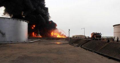 عاجل: مليشيا الحوثي تستهدف محطة لضخ النفط الخام في صرواح بمأرب