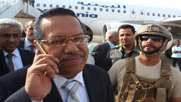 رئيس الوزراء يغادر عدن وهذا ماقاله وهو يغادر مطار عدن!!