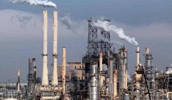 """وثائق تكشف أزمة فساد تعصف بـ""""بترومسيلة النفطية"""" وتنذر بانهيار أهم مؤسسة إيرادية يمنية (تحقيق)"""