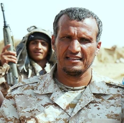 """الرئيس هادي يصدر قراراً جمهورياً بتعيين العميد منصور ثوابة اركان حرب للمنطقة العسكرية السادسة """"سيرة ذاتية"""""""