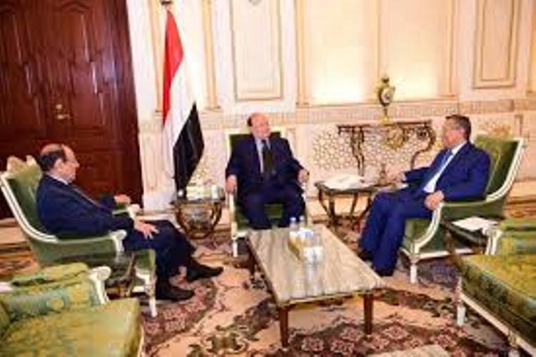 رئيس الجمهورية يعقد اجتماعا مع نائبه ورئيس الوزراء