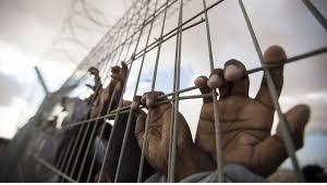الحوثيون يحتجزون 12 يمنياً بتهمة التجسس