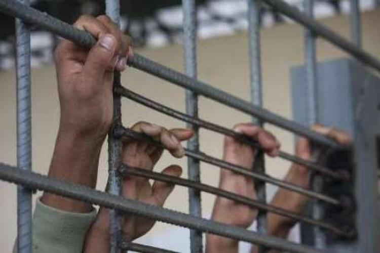 جراء تعرضه لتعذيب وحشي.. وفاة مواطن في سجن حوثي بالحديدة