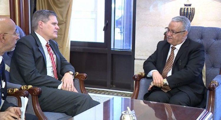 المفلحي يلتقي السفير الامريكي لدى اليمن لمناقشة الصعوبات التي تواجه السلطات المحلية في عدن