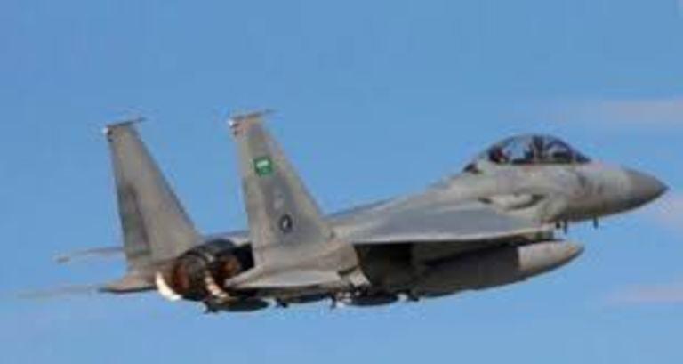 قوات التحالف العربي تقصف مواقع المليشيات الانقلابية في حرض وميدي