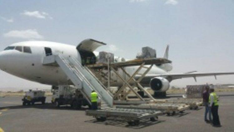 اليونيسف تعلن عن وصول 17 طنا من اللقاحات الطبية الى مطار صنعاء