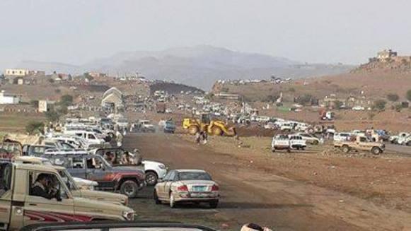 الحوثيون يبدأون بنصب خيامهم على مداخل صنعاء
