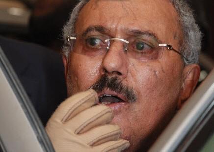 """الحوثيون يضيقون الخناق على المخلوع صالح… """"قائمة الممنوعين من مغادرة صنعاء"""""""