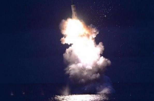 لو وقعت الكارثة وقامت الحرب المنتظرة بين أمريكا وكوريا الشمالية.. من سينتصر عسكريًّا؟