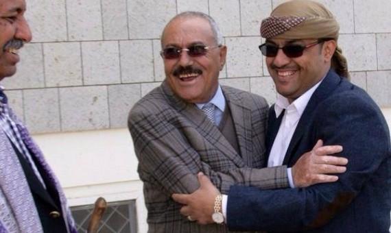 """الحوثيون يقتحمون منزل القيادي في حزب """"صالح"""" ياسر العواضي"""