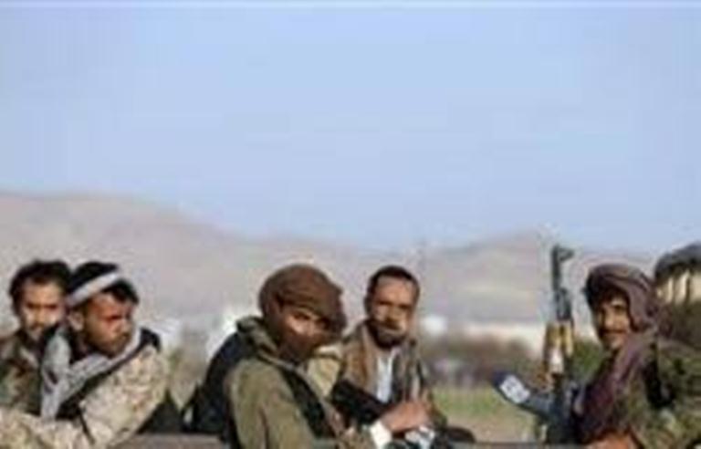 إصابة قيادي حوثي بجروح بليغة خلال مواجهات مع الجيش الوطني في ميدي