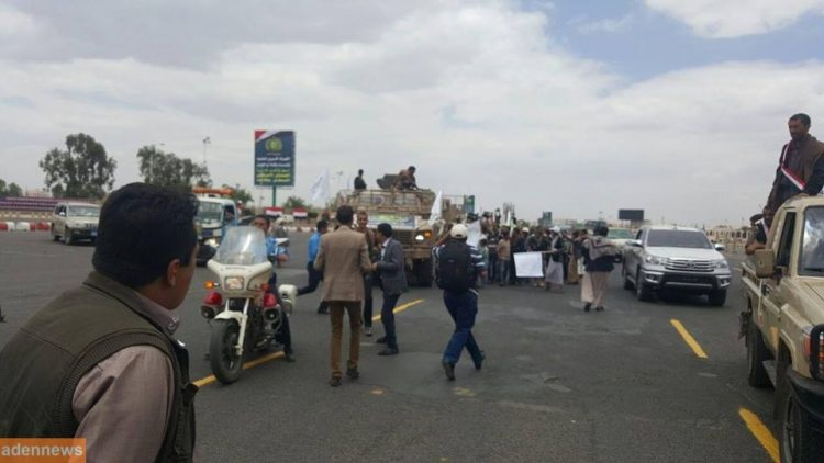 ورد قبل قليل.. الكشف عن مصدر المدرعات الاماراتية التي حصل عليها الحوثيين