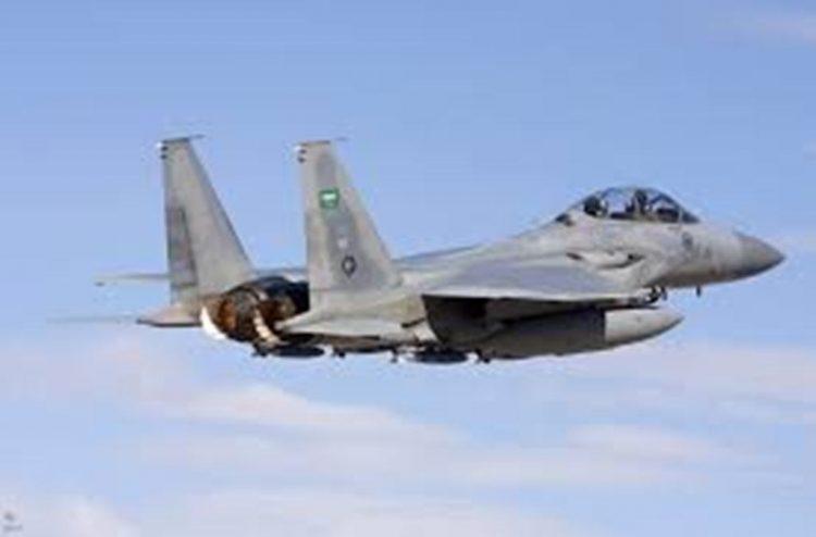 طيران التحالف العربي يدمر الية عسكرية للمليشيات الانقلابية في مديرية المصلوب