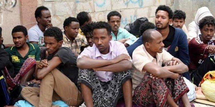 الاف المهاجرين الصوماليين يغادرون اليمن هربا من الحرب