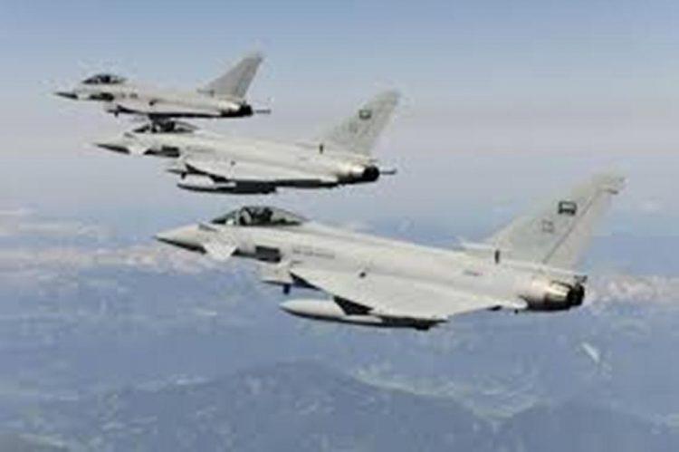 طيران التحالف العربي يشن 12 غارة على مواقع وتعزيزات المليشيات الانقلابية غرب تعز