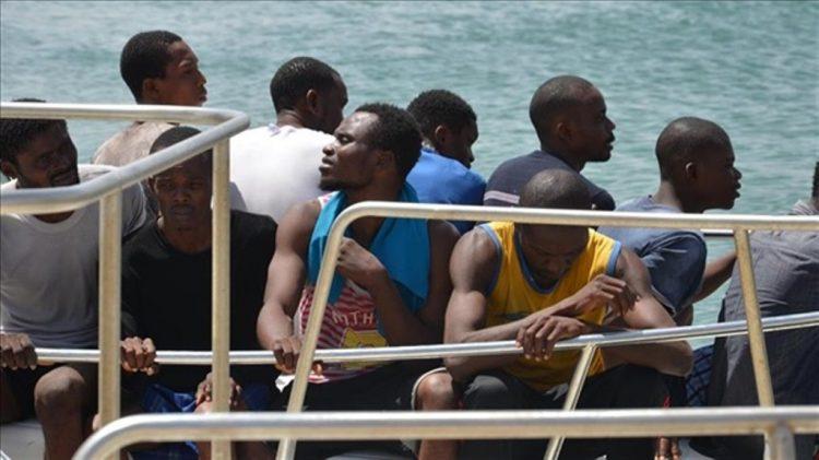 قوة عسكرية في ابين توقف 120 لاجئ افريقي غير شرعي كانوا في طريقهم الى السعودية