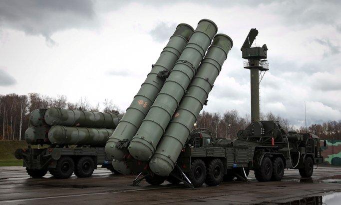 """تعرف على السلاح  """"الأسطورة"""" .. نظام الدفاع الجوي S-400 الروسي الخارق الذي اشترته السعودية"""