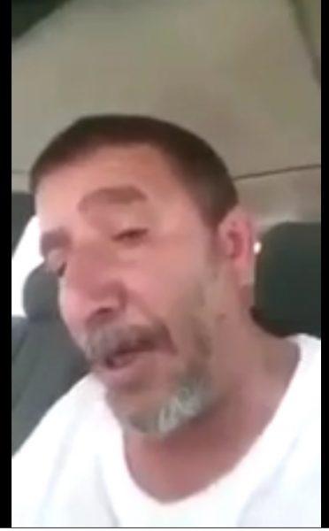 """شاهد بالفيديو… قيادي حوثي """"يلطم"""" عقيد في الجيش بذمار"""