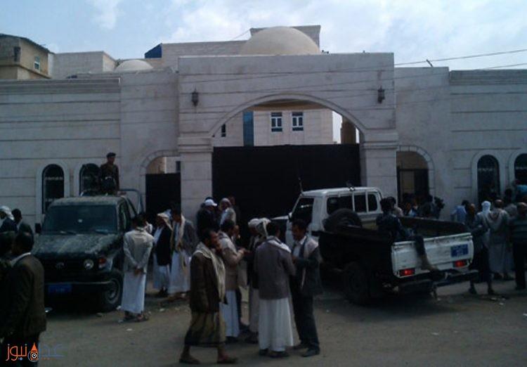 رئيس المحكمة الجزائية التابع للحوثيين يطرد اعضاء هيئة الدفاع من قاعة المحكمة