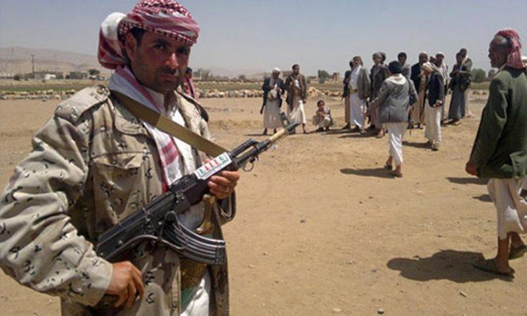 قيادي في مليشيا الحوثي يطلق النار على مواطن بمحافظة عمران