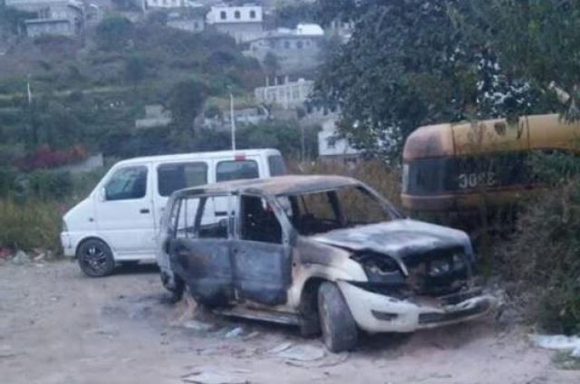 مليشيات الحوثي تختطف عضو مجلس محلي في إب وتحرق سيارته