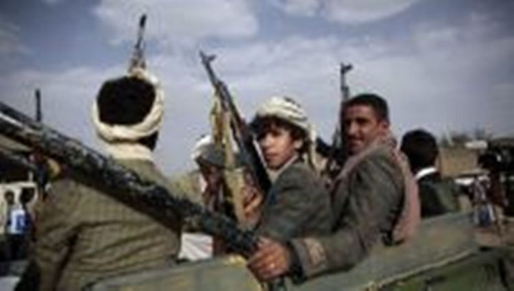 مقتل شيخ موالي للحوثيين وعدد من مرافقيه باستهداف الجيش الوطني طقم عسكري لهم في تعز