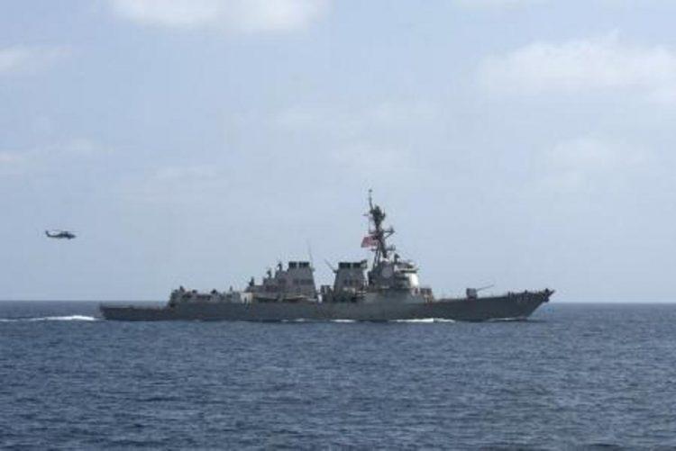البحرية الامريكية تعلن عن انقاذ سفينة صيد ايرانية بعد ان هاجمها قراصنة قبالة سواحل اليمن