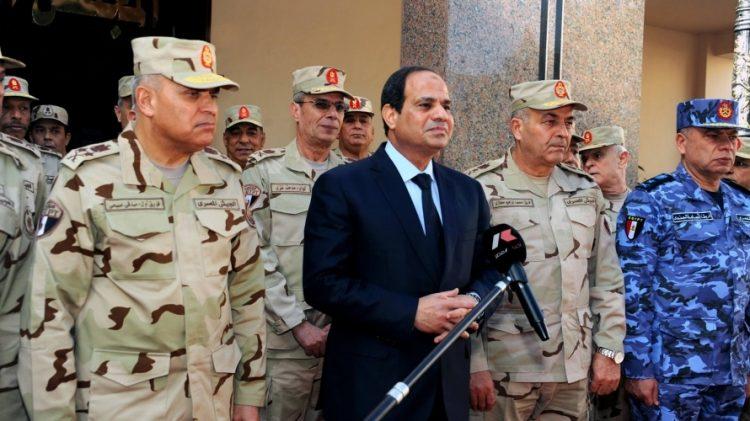 الرئيس المصري يطيح بصهره ويأتي بصديقه رئيسًا لأركان الجيش المصري