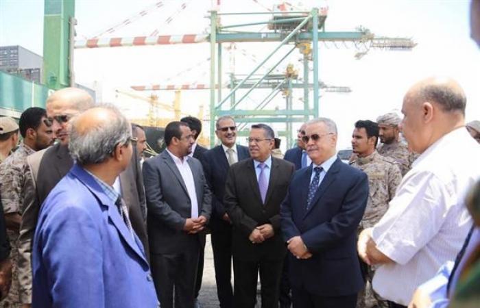 سكرتير رئيس الوزراء: الحكومة عازمة على تحسين الكهرباء في عدن، وبن دغر سيعود إليها في هذا الوقت
