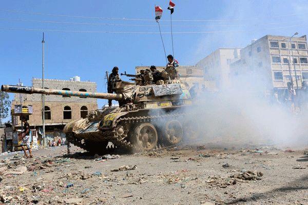 """الجيش الوطني يقتل """"30"""" من مليشيا الانقلاب الحوثي ويسيطر على مواقع جديدة في """"تعز"""""""