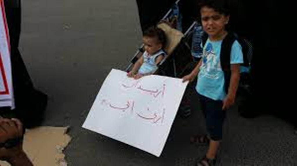 """أهالي معتقلي """"بير أحمد"""" يمنعون من زيارة السجن الجديد للتأكد من وجود أقاربهم هناك"""