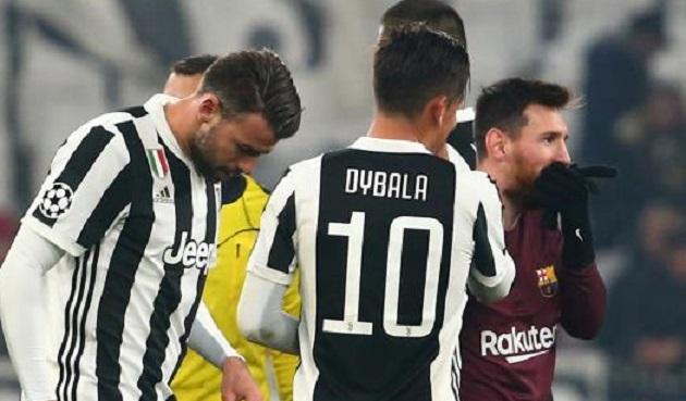 تعادل ثمين لبرشلونة امام يوفنتوس يؤهله كأول المجموعة