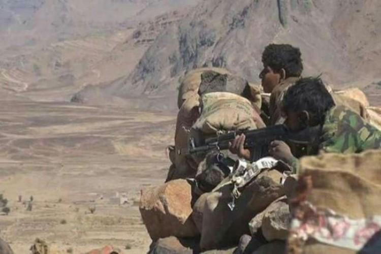 قيادي حوثي يلقى مصرعه في مواجهات مع قوات الجيش الوطني في جبهة نهم