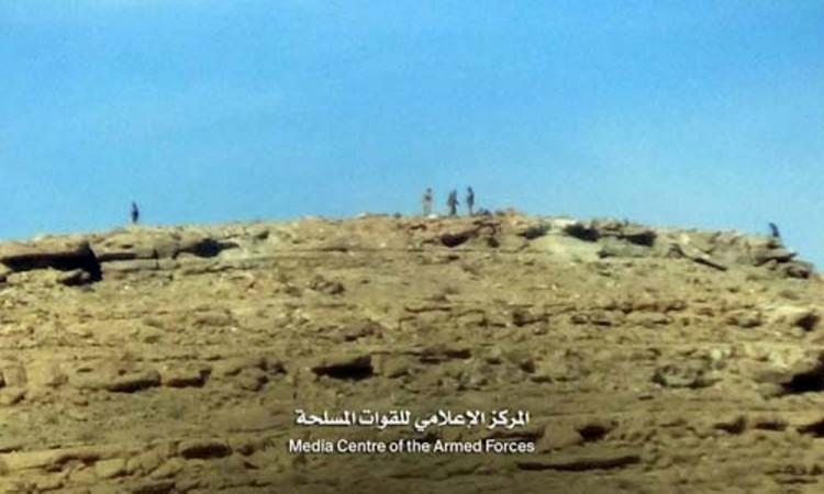 قوات الجيش الوطني تحرر جبل الحلاتين وجبل العظيمة وقاع الحطاب في مديرية نهم بصنعاء