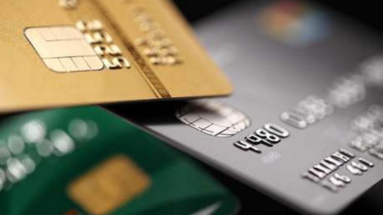 السلطات السعودية تعلن تجميد الحسابات المصرفية للمتهمين بالفساد