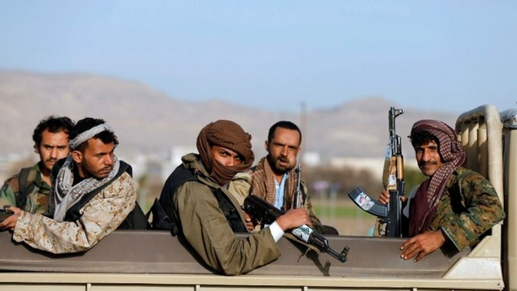 المقاومة الشعبية في البيضاء تتمكن من السيطرة على مواقع للحوثيين في منطقة القريشية في البيضاء