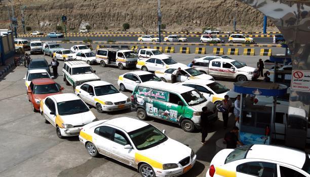 العاصمة صنعاء تشهد أزمة مشتقات نفطية جديدة