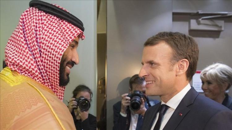 الرئيس الفرنسي يصل الى المملكة العربية السعودية