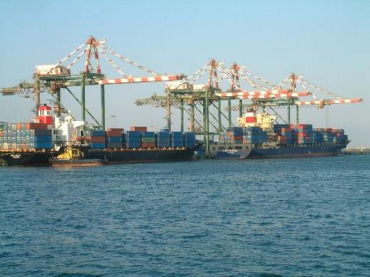 مسؤول اممي: فتح ميناء عدن ليس كافيا ويجب فتح ميناء الحديدة والمطارات بشكل عاجل