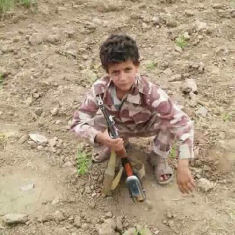 ذمار: مليشيا الحوثي تجبر المواطنين على تجند الاطفال او دفع غرامة مالية